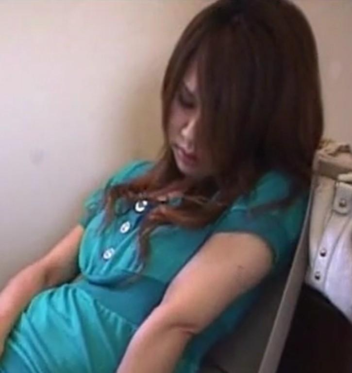 กล้องจิ๋วชัดระดับHDถ่ายภาพสาวออฟฟิศช่วยตัวเองในห้องน้ำที่บริษัทอย่างเด็ด!!