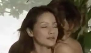หนัง – หนังอีโรติคไทย เมียโดนโจรปล้ำติดใจลีลาเย็ดของชายชู้จนยอมทรยศผัว
