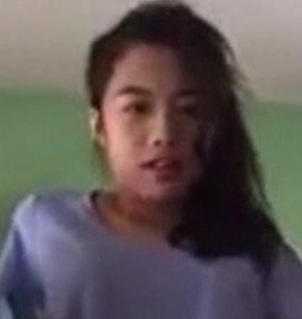 xxxพุ่งกระฉูดพี่สาวช่วยตัวเองตอนคุยวีดีโอคอลกับฝรั่ง ร้องครางว่าช่วยมาเย็ดชั้นที!!